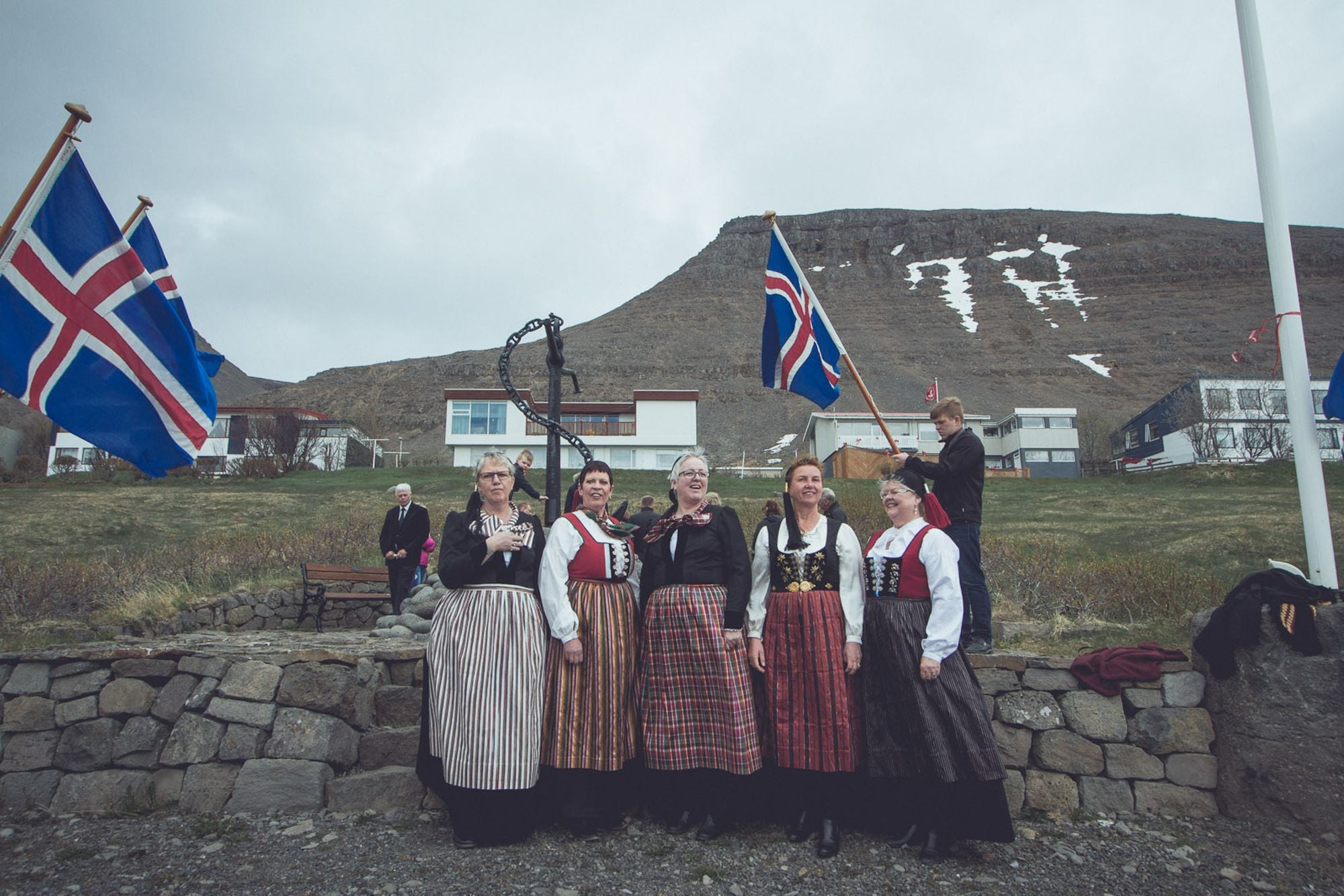 Women wearing the Icelandic national dress