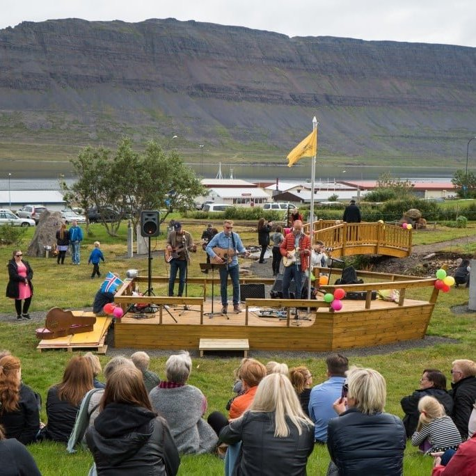 Raggagarður, A family entertainment park in Súðavík