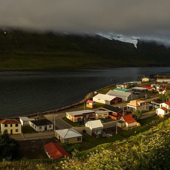Suðureyri in the midnight sun