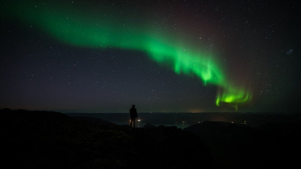 Northern lights above Þingeyri